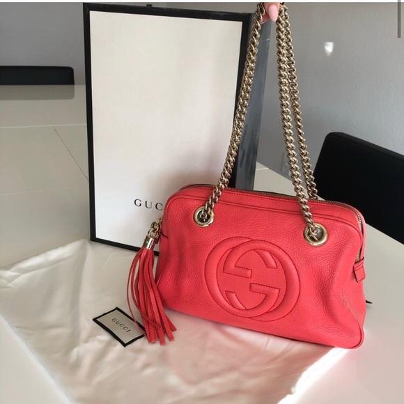 Gucci Handbags - Gucci Soho Chain Strap Purse.